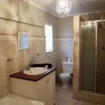 Upington Accommodation Gallery | Bathroom 6